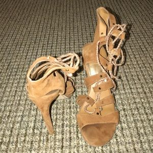 SIZE 8.5 DOLCE VITA BROWN SUEDE HEELS WITH TIES